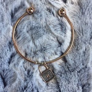 Jewelry - Rose gold tone bracelet with lock charm